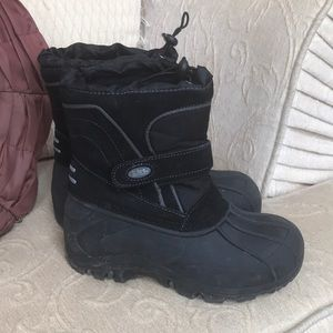 totes Shoes - Totes snow boots size 3